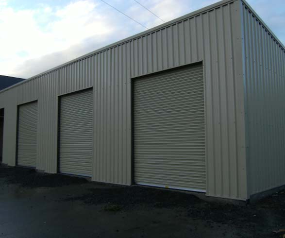 4 span shed with electric roller doors